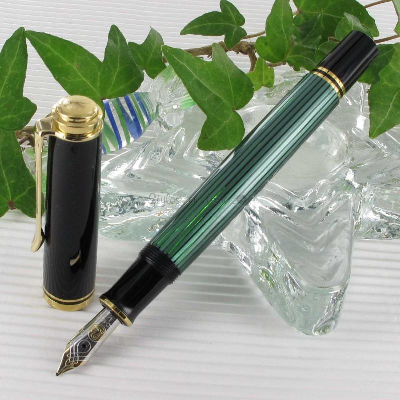 stylo plume p likan souveran 600 noir vert sur stylos. Black Bedroom Furniture Sets. Home Design Ideas