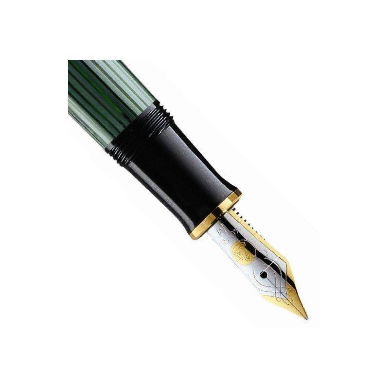stylo plume moyenne pelikan noir vert souveran 400. Black Bedroom Furniture Sets. Home Design Ideas
