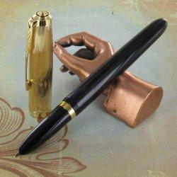 Stylo Plume Moyenne PARKER® 51 Noir Intense & Or 18 carats